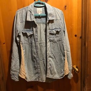 Size M billabong blouse